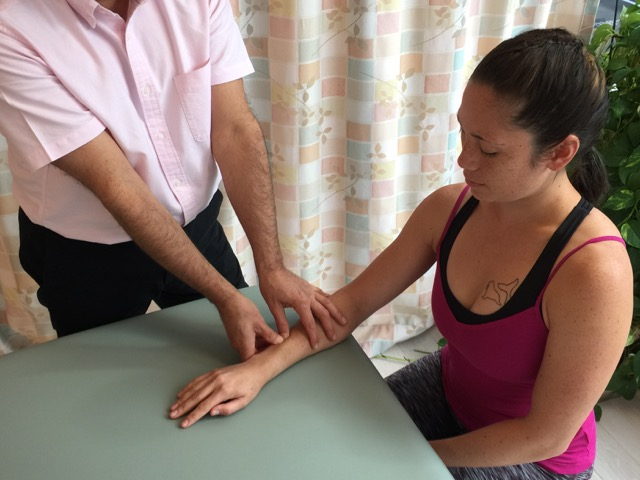 Manual therapy for De Quervain's Syndrome includes massage to the associated muscles of the thumb in the posterior forearm