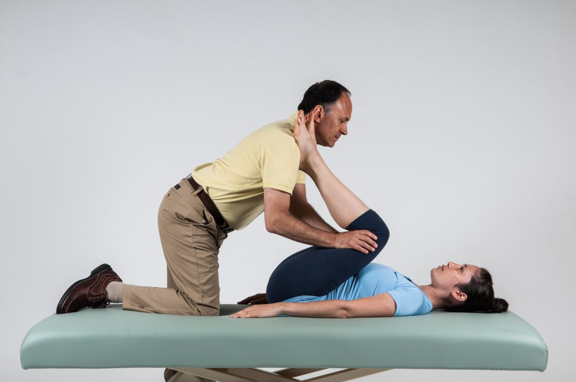 manual therapy double knee to chest stretch for lower crossed syndrome is beneficial