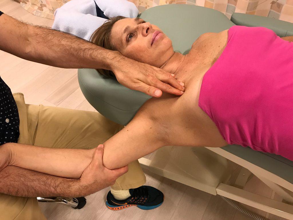 pin and stretch for the pectoralis minor. Permission Joseph E. Muscolino.